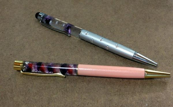 ハーバリウムボールペンをレジン液とミネラルオイルで作成
